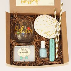 Unusual Wedding Gift Experiences : 1000+ ideas about Bridesmaid Boxes on Pinterest Be My Bridesmaid ...