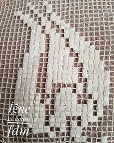 Fotoğraf açıklaması yok. Embroidery Monogram, Embroidery Stitches, Lacemaking, Needle Lace, Filet Crochet, Fabric Painting, Fabric Crafts, Cross Stitch, Blog