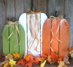 Items similar to Awesome Fall Pumpkins! Pallet Wood Pumpkins Rustic Pumpkins for Fall Autumn Thanksgiving or Halloween Decor (Set of on Etsy Wood Pallet Crafts, Wood Pallets, Pallet Wood, Pallet Ideas, Pallet Art, Halloween Palette, Fall Halloween, Halloween Stuff, Halloween Crafts