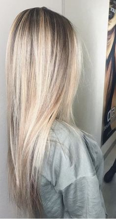 Golden Blonde Balayage for Straight Hair - Honey Blonde Hair Inspiration - The Trending Hairstyle Blonde Hair Shades, Blonde Hair Looks, Ash Blonde Hair, Balayage Hair Blonde, Platinum Blonde Hair, Blonde Hair With Dark Roots, Baylage Blonde, Gorgeous Hair, Dyed Hair