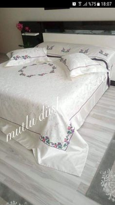 This Pin was discovered by Ays Embroidery Hoop Decor, Pillow Embroidery, Hand Embroidery Designs, Bed Sheet Curtains, Bed Sheets, Fabric Paint Designs, Embroidered Bedding, Baby Pillows, Handmade Pillows