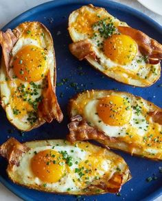 These Twice Baked Breakfast Potatoes are so freakin' good and would make an awesome brunch for dad tomorrow! Find the recipe in the… Breakfast Potatoes, Breakfast Bake, Breakfast Recipes, Overnight Breakfast, Sweet Breakfast, Breakfast Items, Healthy Sweet Snacks, Nutritious Snacks, Healthy Recipes