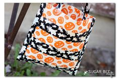 DIY Halloween treat bag idea: No Sew Duct Tape bag from Sugar Bee Crafts