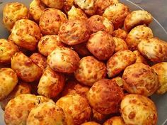 Pizza balls, a delicious recipe from the finger food category. Ratings: Average: Ø cauliflower auflauf rezept pizza recipes salad cauliflower Snacks Pizza, Snacks Für Party, Pizza Recipes, Brunch Recipes, Snacks Recipes, Pizza Ball, Pizza Pizza, Burger Party, German Recipes