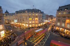Gettyimages: England London buses and shoppers on the Intersection of Oxford Street and Regent Street by Scott E Barbour