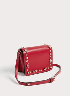 Uterqüe United Kingdom Product Page - New in - View all - Leather crossbody bag with bees and studs - 115
