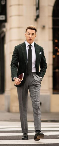 15 Suit Styles To Update Look From Ordinary To Extraordinary Mens Fashion Blog, Suit Fashion, Urban Fashion, Fashion Tips, Mens Attire, Mens Suits, Stylish Men, Men Casual, Urban Clothing Brands