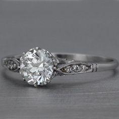 pretty vintage ring. love this!