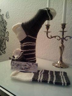 Socken Gr.42/43 im Landhausstil, grau-weiß von Atelier van der Valk auf DaWanda.com