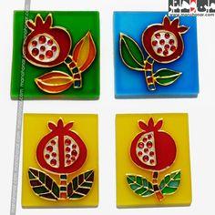 مگنت ویترای انار: جهت آگاهي از جزئيات اين محصول و چگونگي خريد آن، لطفا به فروشگاه اينترنتي صنايع دستي من و هنر مراجعه فرماييد. www.manohonar.com