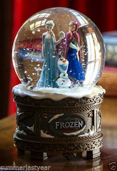 "DISNEY ""FROZEN"" MUSICAL SNOWGLOBE -NEW NOV. 2013 & SOLD OUT- FREE PRIORITY SHIP Frozen Musical, Frozen Movie, Frozen Party, Frozen Cake, Frozen Toys, Frozen Birthday, Disney Fun, Disney Frozen, Disney Karaoke"