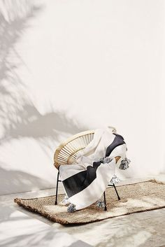 acapulco chair with tassel throw blanket. Decoration Inspiration, Interior Inspiration, Design Inspiration, Interior And Exterior, Interior Design, Outdoor Living, Outdoor Spaces, Beach House, Studios