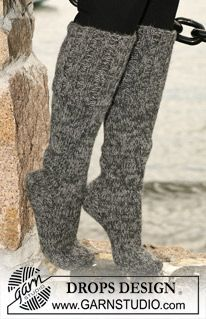 """Long DROPS socks in stockinette stitch with wide rib in 2 threads """"Alpaca"""". ~ DROPS Design These might feel mighty nice at 45 below zero. Knitting Gauge, Knitting Socks, Free Knitting, Knitted Slippers, Knitted Gloves, Drops Design, Garnstudio Drops, Beginner Knitting Patterns, Magazine Drops"""