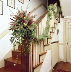 lovely colonial christmas decorations for banister