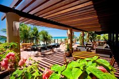 Carmel Charme #Resort - The breakfast is served in a glass-enclosed restaurant with amazing looks for the #beach, which has been the scene of luxurious wedding and private parties, Read more at http://www.hotelurbano.com.br/resort/carmel-charme-resort/1845 and get best deals.