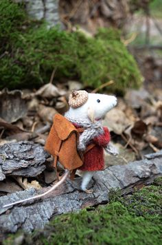 Petite souris Traveler feutrage de rêves par feltingdreams sur Etsy, $88.00