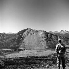 The Frank Slide, largest landslide in North American history. Canadian Pacific Railway, Canadian Rockies, Largest Countries, Countries Of The World, Canadian History, American History, Beautiful Places To Live, Canada Eh, History Museum