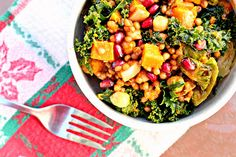 Garlic-Roasted Butternut Squash and Kale Wheatberry Salad with Pomegranate - Joanne Eats Well With Others Soup Recipes, Whole Food Recipes, Healthy Recipes, Healthy Meals, Superfood Salad, Kale Salad, Chickpea Salad, Wheat Berry Salad, Roasted Sprouts