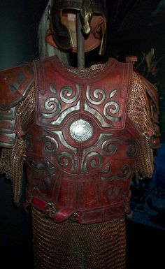 Eomer's armour - I love the leather-over-metal design. Armadura Medieval, Fantasy Armor, Medieval Fantasy, Tolkien, Larp, Elmo, Into The West, Leather Armor, Elvish