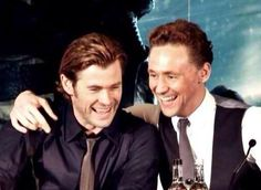 Chris Hemsworth and Tom Hiddleston have such an adorable bromance <3