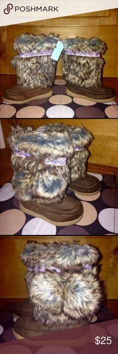 OLD NAVY Brown Faux Fur Chukka BOOTS NWT 7 OLD NAVY Brown Faux Fur Chukka BOOTS NWT 7 18-24 Mon Old Navy Shoes Boots