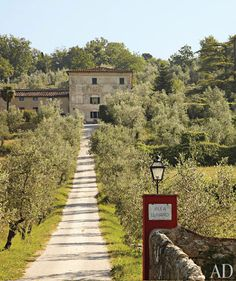 Dede Pratesi's 17th-Century Family Villa in Tuscany