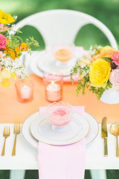 Bright love in bloom wedding inspiration: http://www.stylemepretty.com/2014/08/11/bright-love-in-bloom-wedding-inspiration/   Photography: http://paperantler.com/