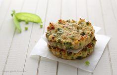 I tortini pisellini e cotto è un secondo piatto gustoso, dal profumo primaverile perfetto per far mangiare le verdure a grandi e piccini!