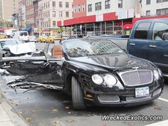 Bentley Continental GTC crashed in New York