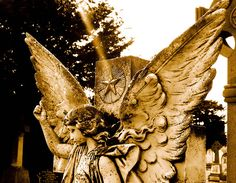This Angel looks over the grave of one Jane Nolan, of Wicklow Town (Ireland), who died on January 4th 1915