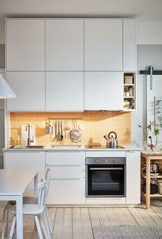 Puertas minimalistas Ikea Furniture, Kitchen Furniture, Kitchen Decor, Kitchen Ideas, Ikea Inspiration, Ikea Pax, Ikea Interior, Ikea Decor, Ikea Home