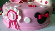 Tarta Princesa Minnie Mouse 2 | De Perla's | Tartas fondant personalizadas en Málaga