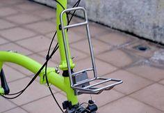 Reinforced Titanium front rack (H&H) Bikegang 121 livres porte bagage avant brompton Cargo Rack, Cargo Bike, Bicycle Tools, Bicycle Parts, Bike Handlebars, Mtb Bike, Brompton, Three Wheel Bicycle, Rear Bike Rack