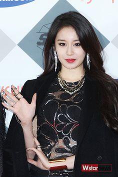 T-ARA @ SBS Awards Festival Red Carpet 141221 (Jiyeon-focused) Credits: Wstar News