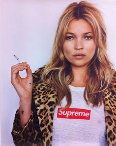 Supreme Kate – model kate moss, leopard print jacket, supreme t shirt
