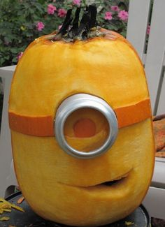 Funny pictures about Pumpkin Minion. Oh, and cool pics about Pumpkin Minion. Also, Pumpkin Minion photos. Halloween Pumpkins, Halloween Crafts, Holiday Crafts, Holiday Fun, Halloween Decorations, Halloween Party, Minion Halloween, Funny Pumpkins, Holiday Ideas