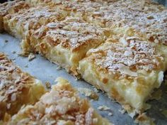Desert prajitura cremes ca la Cluj Sweets Recipes, Just Desserts, Delicious Desserts, Cake Recipes, Cooking Recipes, Romanian Desserts, Romanian Food, My Favorite Food, Favorite Recipes