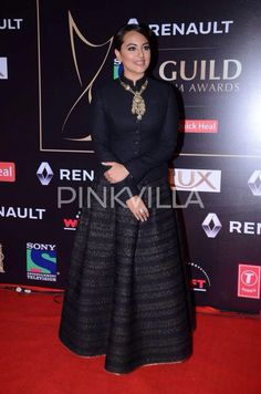 #GuildAwards2015 Sonakshi Sinha at the Red Carpet!