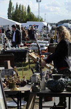 Flea Marketing in England with Antiques Diva Tours