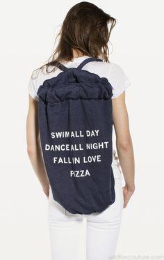 PIZZA PARTY ROADTRIP BAG