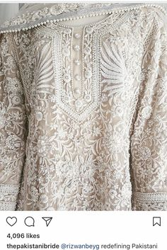 Pakistani kurta by Rizwan Beyg, who also dressed princess Diana for her Pakistan-tour. Indian Designer Suits, Indian Suits, Indian Attire, Indian Dresses, Pakistani Couture, Pakistani Outfits, Pakistani Kurta, Sabyasachi, Indian Outfits