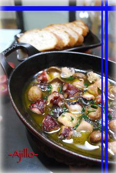 タコとキノコのアヒージョ(オイル煮)