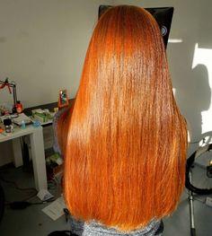 Włosy po Olaplexie  podcięciu zrobionym dzięki @hairmate_warsaw  miękkie błyszczące - to jest to! Zrobiony dzień po hennie i teraz widzę jak mocno olaplex wypłukał hennę  mnie też efekt bardzo cieszy! Na kanale 2 kolejne filmy o włosach kręconych - zapraszam www.bit.do/krecone #hairmate #hairpassion #longhair #redhairs #redhair #redhead #hair #instahair #hairofinstagram #hairoftheday #blog #rudewlosy #rude #henna #wwwlosypl #napieknewlosy #wlosomania #wlosomaniaczka #wlosomaniaczki #wlosy…