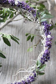 simplistic lavender wreath  via Nicki Winkles  site in german- still a sweet simple idea.