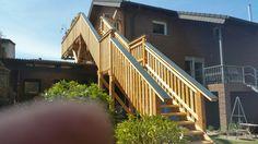 Holzbalkon Bau mit Holztreppe aus Douglasie und Lärchenholz 4.30 m Höhenunterschied www.zimmerei-massivholzbau.de