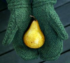 ...Druid Mittens by Jared Flood, as knit by kathrynivy...