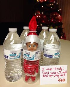 Day Jack got stuck in a bottle of water! Day Jack got stuck in a bottle of water! Christmas Activities, Christmas Traditions, Winter Activities, Kid Activities, Awesome Elf On The Shelf Ideas, Elf On The Shelf Ideas For Toddlers, Der Elf, Elf Auf Dem Regal, Elf Magic