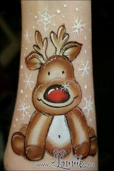 Gorgeous reindeer by lonnie kaeregaard!