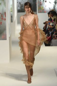 Preen by Thornton Bregazzi Spring 2018 Ready-to-Wear  Fashion Show Collection