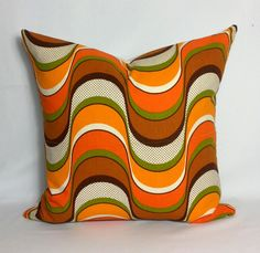 Bizspeaking.com 1970s Retro Psychedelic Cushion Cover . Vintage Scatter Pillow